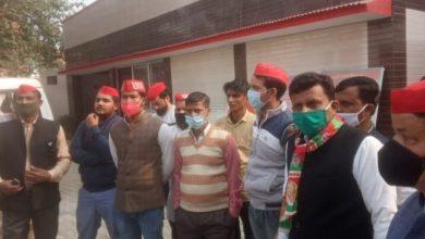 Photo of अखिलेश यादव की गिरफ्तारी के बाद आक्रोशित हुए समाजवादी कार्यकर्ता पुलिस ने किया गिरफ्तार