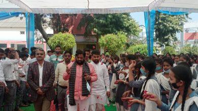 Photo of गांधी इंटर कॉलेज के छात्रों को सांसद कौशल किशोर ने दिलाई नशामुक्त रहने की शपथ