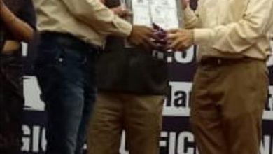 Photo of शाहजहांपुर में हिन्दुस्तान पेट्रोलियम के महाप्रबंधक ने प्रवीण सिंह को किया सम्मानित