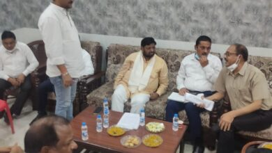 Photo of जल भराव को लेकर केंद्रीय राज्य मंत्री कौशल किशोर ने की बैठक