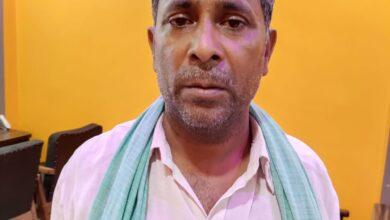Photo of बंथरा पुलिस से परेशान अपनी पीड़ा बताते हुए रो पड़े रामपाल रावत